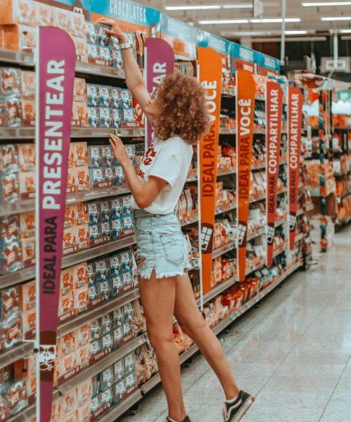 flirten-mit-frauen-im-supermarkt